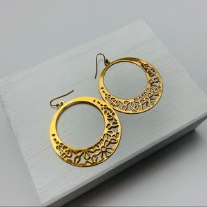 Vintage Filigree Goldtone Circle Hoop Earrings